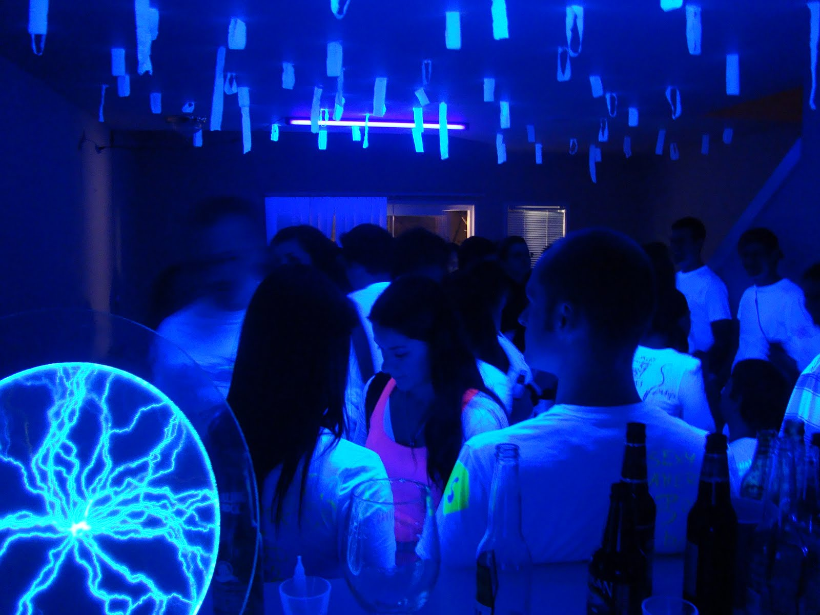 parties black cool for themed light daily slide entertain year new slideshow lighting party the meal from