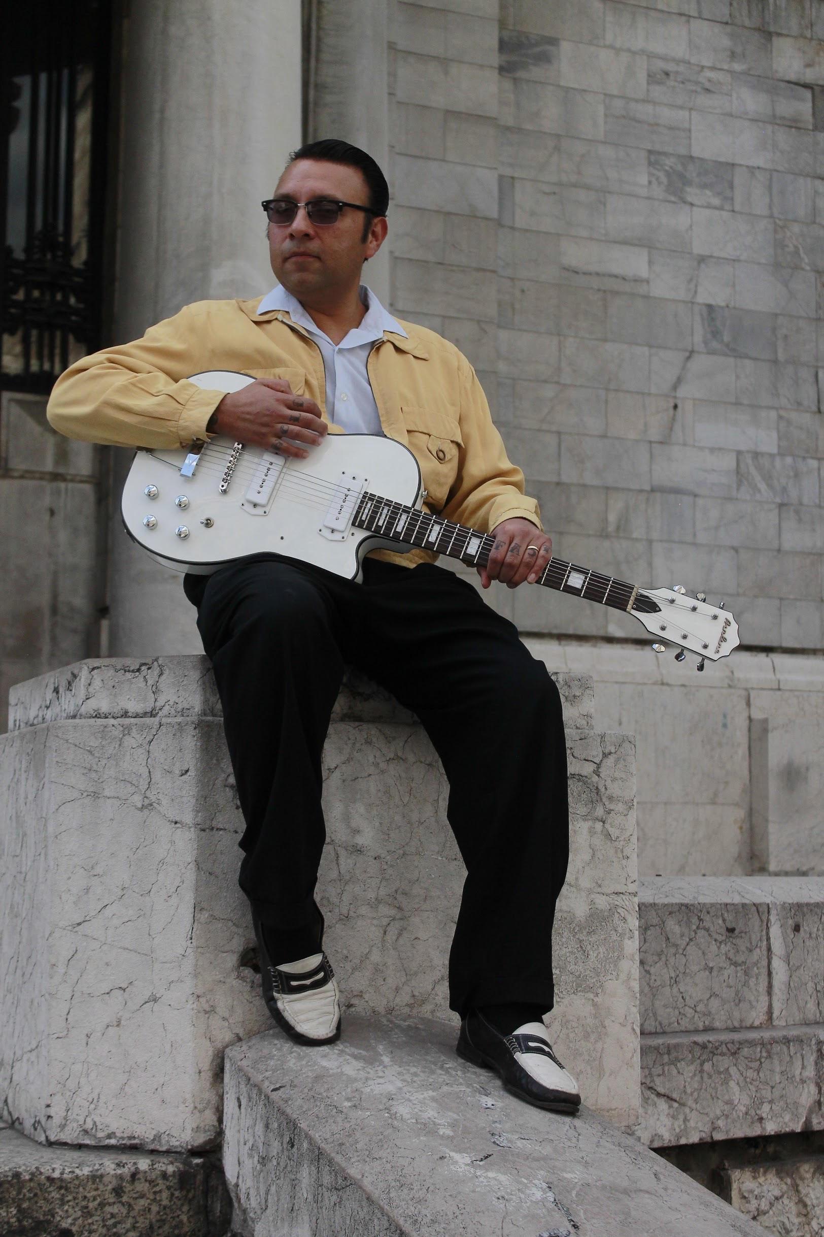 Blues & Bourbon: Elvis Cantú