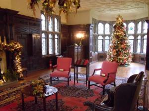 A Pittsburgh Christmas Carol Tour - Hartwood Acres