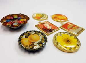 Resin Jewelry Class with Terrie Hoefer