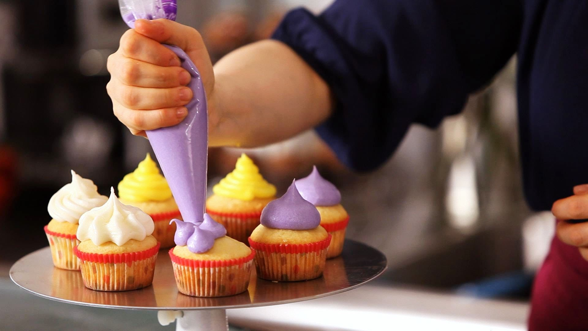 Tickets for cup cake decorating class in adelaide from unilodge cup cake decorating class junglespirit Choice Image